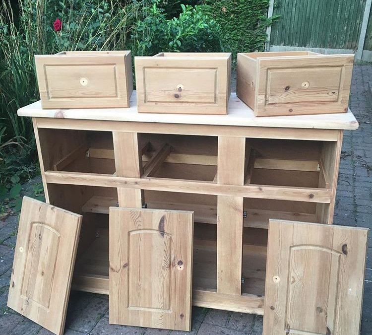 Upcycling Preparation - Before image - wooden dresser - how to prep furniture for upcycling - tools and tips